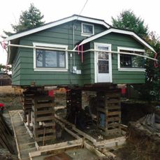 house lifted, ready to pour new footings